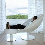 Kupu recliner with a woman